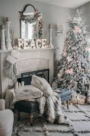 White Christmas Tree Decorations Pinterest by Best 25 Elegant Christmas Decor Ideas On Pinterest Elegant