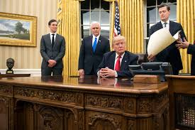 Oval Office Renovation Trump Has Already Redecorated The Oval Office New York Post