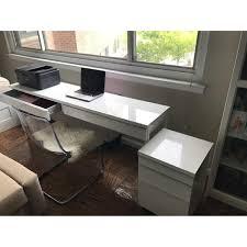 White High Gloss Computer Desk by Ikea Besta Burs Desk In High Gloss White Aptdeco