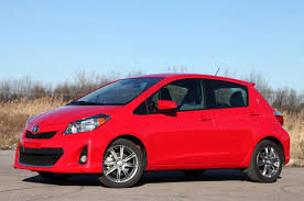 2012 toyota yaris reviews brown s car stores autoblog reviews the 2012 toyota yaris se