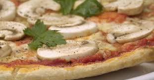 cuisine legere et dietetique 15 recettes de pizzas diététiques faites maison fourchette et