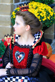 red queen queen of hearts halloween hairstyles cute girls