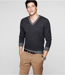 v neck sweater dress shirt untucked ivo hoogveld