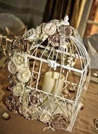 Shabby Chic Bird Cages by Love Bird Cages On The Table I Like The Dynamic Arrangement And