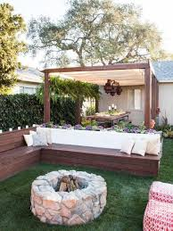 Simple Backyard Design Ideas Best 25 Backyard Seating Ideas On Pinterest Fire Pit Bench