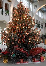 the brown christmas tree file weihnachtsbaum bad kissingen jpg wikimedia commons