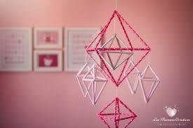 bricolage chambre bébé créer un mobile géométrique avec des pailles activité manuelle