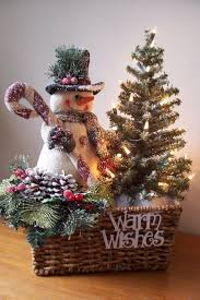 Modern Spanish House Decorated For Christmas Digsdigs by Best 25 Snowman Decorations Ideas On Pinterest Wooden Snowman