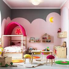 chambre enfants 20 jolies idées pour décorer une chambre d enfant nuages roses