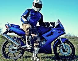 cbr 125 sportbike rider picture website