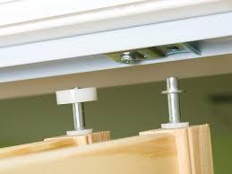 Closet Door Finger Pull by Install Bifold Closet Doors How Tos Diy