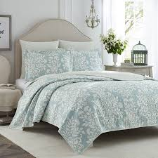 laura ashley girls bedding amazon com laura ashley rowland blue quilt set full queen home