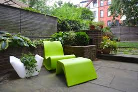 Lime Green Patio Furniture by 31 Stylish Modern Outdoor Furniture Ideas Digsdigs