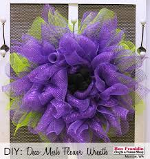 how to make a mesh wreath home decor crafts diy and free tutorials ben franklin crafts