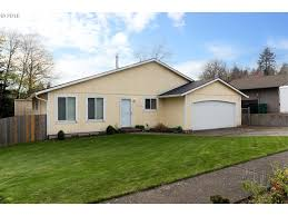 1208 se chapman ave troutdale or 97060 mls 16093044 redfin