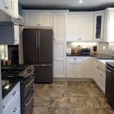 decoration mur cuisine cuisine decoration mur cuisine avec magenta couleur decoration