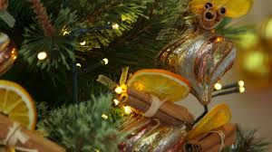 how to decorate your christmas tree with a woodland theme youtube