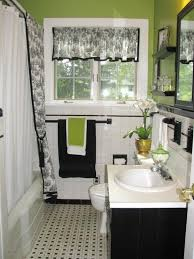 bathroom decorating ideas budget decorating small bathrooms on a budget small bathroom decorating