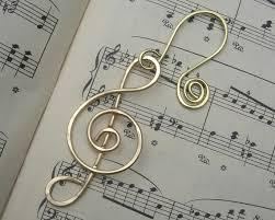 treble clef brass ornament gift note