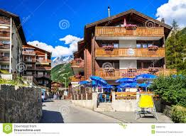 zermatt zwitserse hotels switzerland redactionele stock