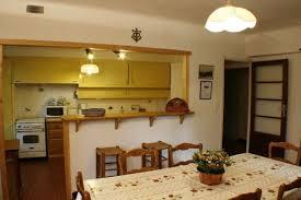 passe plat cuisine americaine location provençal avec piscine à 15 minutes de nîmes 17962001