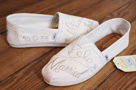 wedding shoes toms custom painted bridal shoes laquist