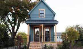 waco texas real estate chip and joanna gaines chip and joanna gaines give this tiny waco home an amazing makeover