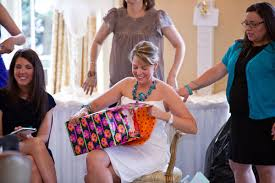 wedding gift opening γάμος δώρο ή φακελάκι ιδού η απορία yes i do