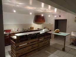 bar snack cuisine ilot en palette ilot de cuisine fait de bois de palette via