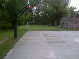 another side view of the driveway half court is right next to the