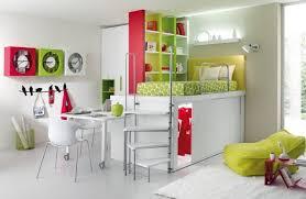 chambre fille avec lit superposé lit superposé avec bureau superpos mezzanine pour coucher enfant
