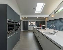 amenagement cuisine rectangulaire 3 idées pour aménager une cuisine rectangulaire contemporaine