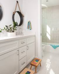 jack and jill bathroom ideas this jack and jill bathroom has a great layout and beautiful hex