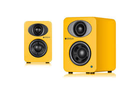 steljes ns1 speakers up close and personal audiophile man