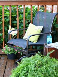 Paint For Outdoor Plastic Furniture by The Easy Way To Paint Metal Patio Furniture Petticoat Junktion