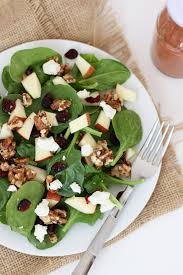 candied nut spinach salad with strawberry balsamic dressing