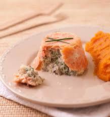 terrines de saumon fumé au poisson blanc chignons et ciboulette