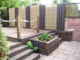 another garden that i like using sleepers my favourite gardens