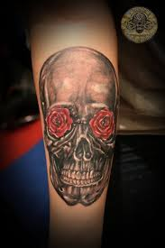 skull with roses tattoo by 2face tattoo on deviantart