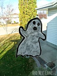 simple halloween arts and crafts halloween suncatchers and next comes l