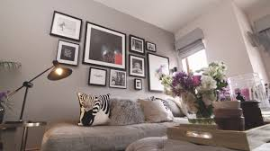 How To Design A Gallery Wall by How To Create A Gallery Wall Youtube