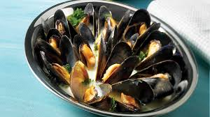 cuisiner des moules au vin blanc moules au vin blanc recettes iga fruits de mer crème recette