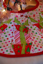 Quilted Christmas Tree Skirts To Make - 82 best christmas tree skirt images on pinterest board