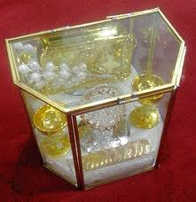 arras para boda elegantes arras para boda estuche de cristal moneda antigua