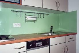 plexiglas für küche glasrückwand und spritzschutz selbst bauen diy küchenrückwand