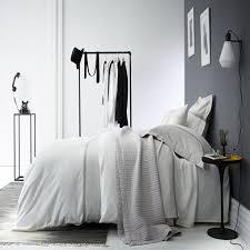 chambre blanche et grise deco de chambre blanc et gris destiné à désir stpatscoll