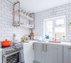 cuisine repeinte en gris cuisine repeinte en gris trendy les lments de la cuisine quipe ont