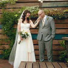steve u0026 rachel u0027s chicago peckish pig intimate diy patio wedding