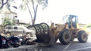 city of oakland u0027bulldozer u0027 hit a homeless man while he was