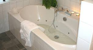 Fiberglass Or Acrylic Bathtub Professional Bathtub Refinishing In Denver Co Like New Refinishing